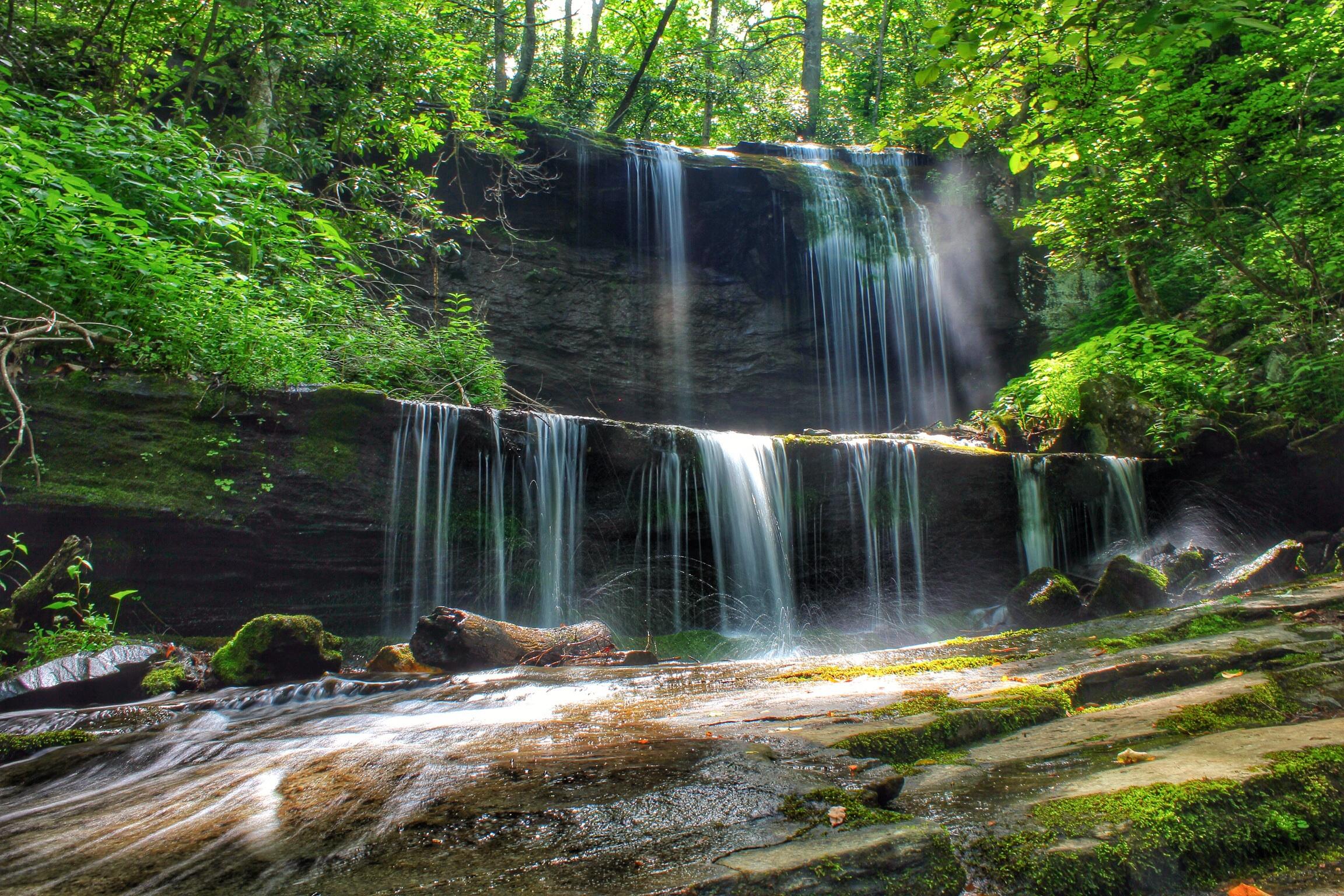 grassy creek Grassy creek falls is a waterfall along the blue ridge parkway in little switzerland, north carolina.